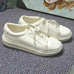 Shoe dazzle Jill white sneakers